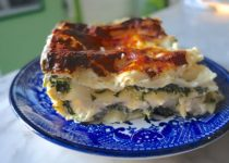 Vegetarian Lasagna with Ricotta, Spinach and Cheese