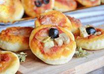 Delicious  Home-Made Mini Pizzas