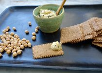 Delicious Chickpea Crackers with Herbs (gluten free and vegan)